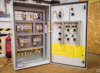 Розробка шафи керування виробничими процесами