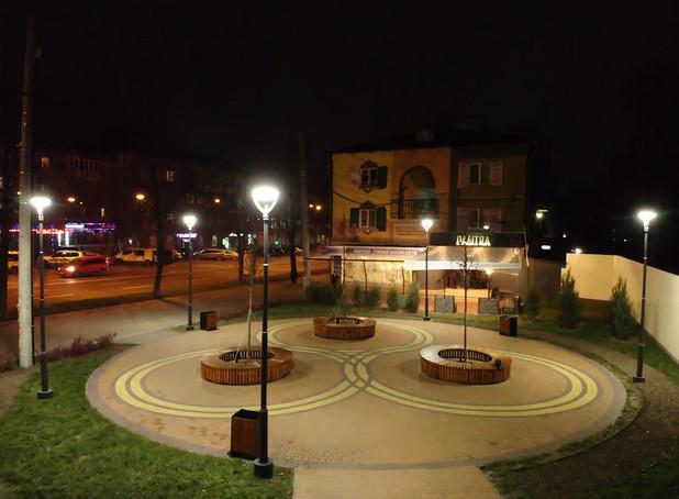 Освітлення скверу в м. Чернігів